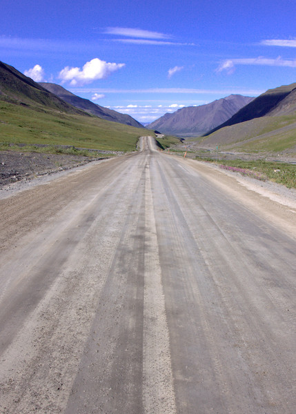 Dalton Highway run from Atigun Pass through the Brooks Range